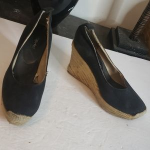 🤯3/$12 *Well Worn* Mossimo Black Wedges Size 7.5